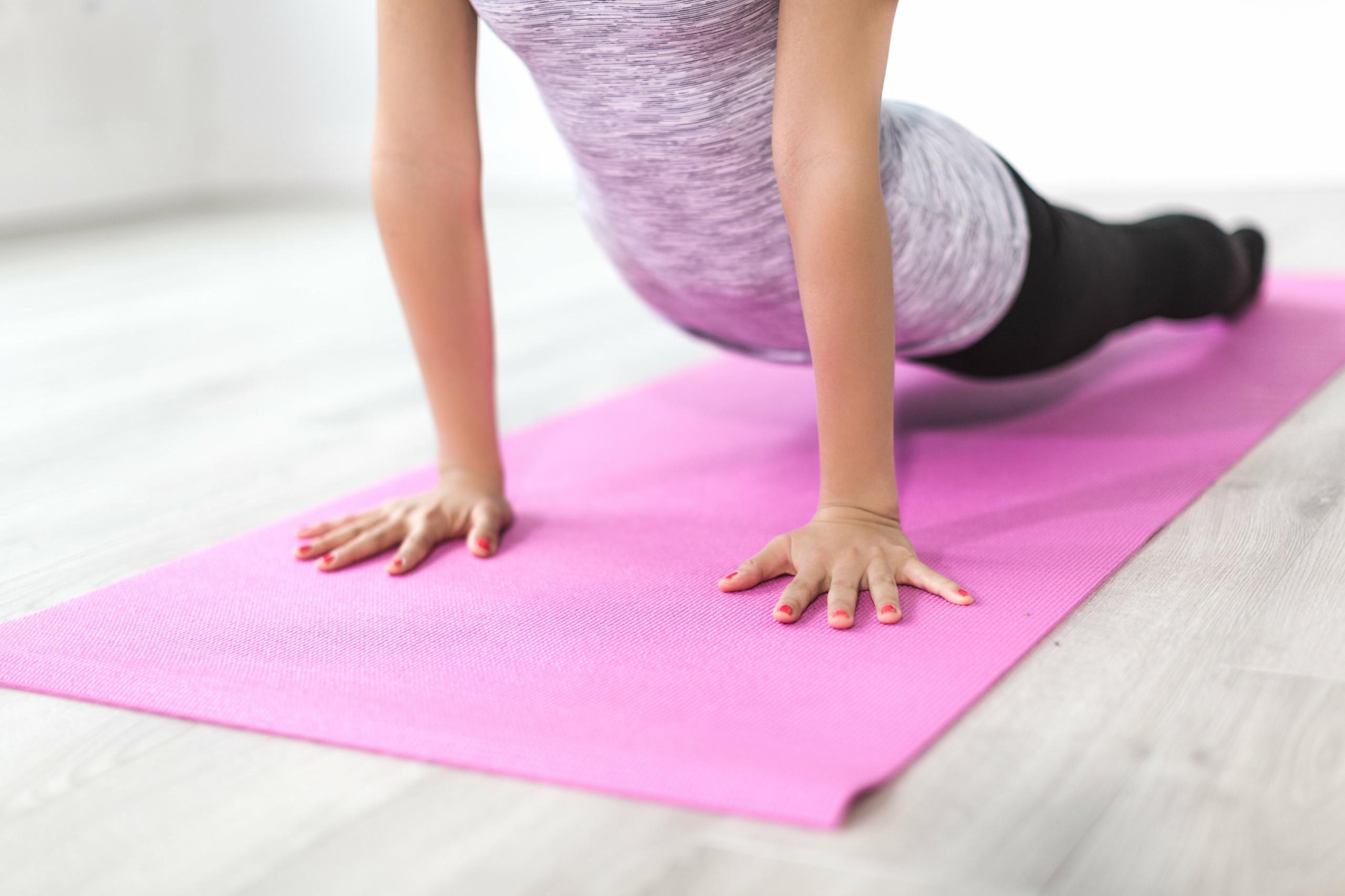 Mejorar la Fuerza y Ayudar en el Equilibrio y la Flexibilidad - Bloque de Espuma EVA de Alta Densidad para Apoyar y Profundizar Las Poses 1pc o 2pcs REEHUT Bloques de Yoga